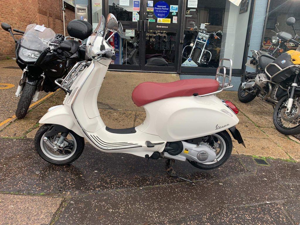 Piaggio Vespa Primavera Scooter 125 Scooter