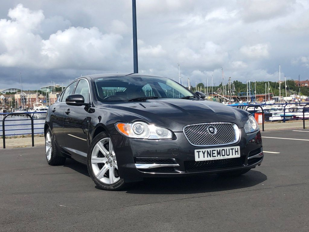 Jaguar XF Saloon 3.0 V6 AUTOMATIC