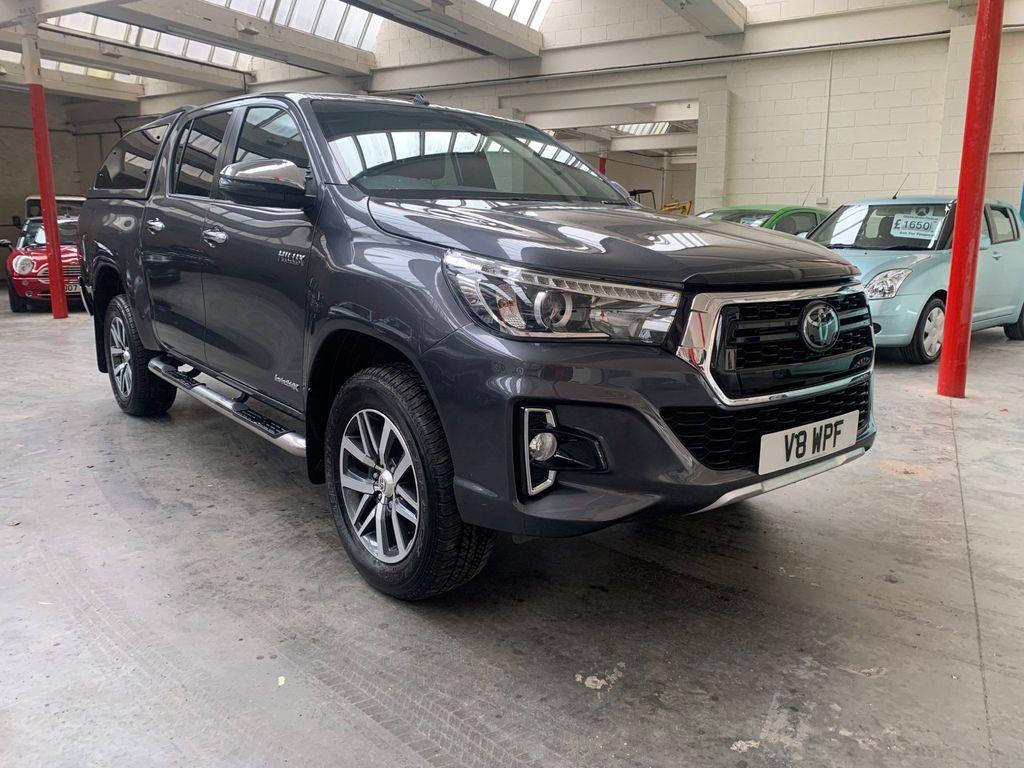 Toyota Hilux Pickup 2.4 D-4D Invincible X AT35 Double Cab Pickup Auto 4WD EU6 (s/s) 4dr