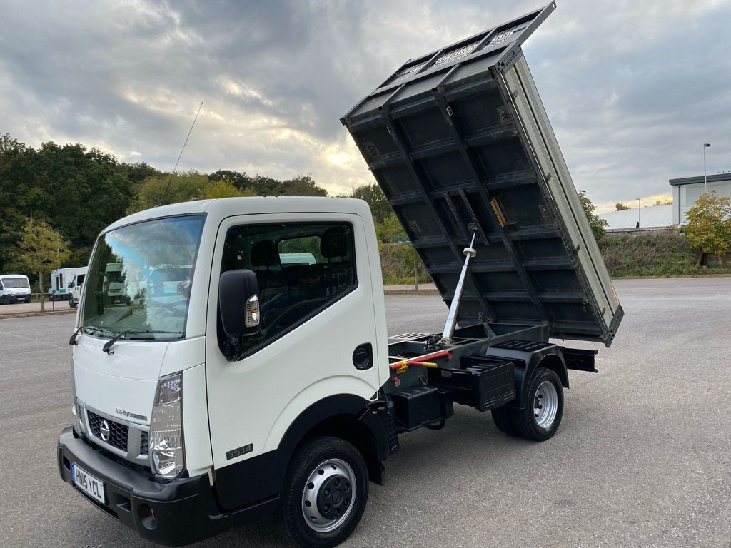 Nissan NT400 Cabstar Tipper 2.5 dCi 35.14 Tipper 2dr (MWB)