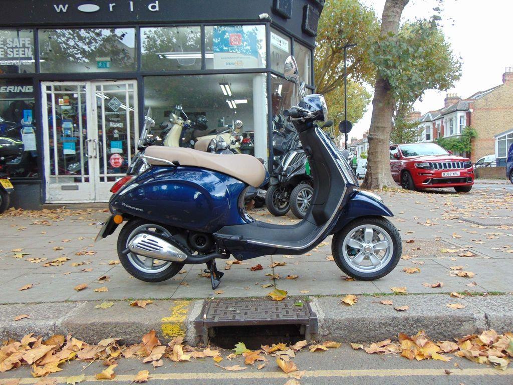 Piaggio Vespa Primavera Moped 50 Primavera 50 2T