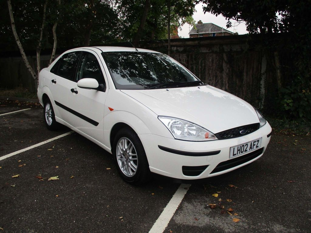 FORD FOCUS Saloon 1.6 i 16v LX 4dr