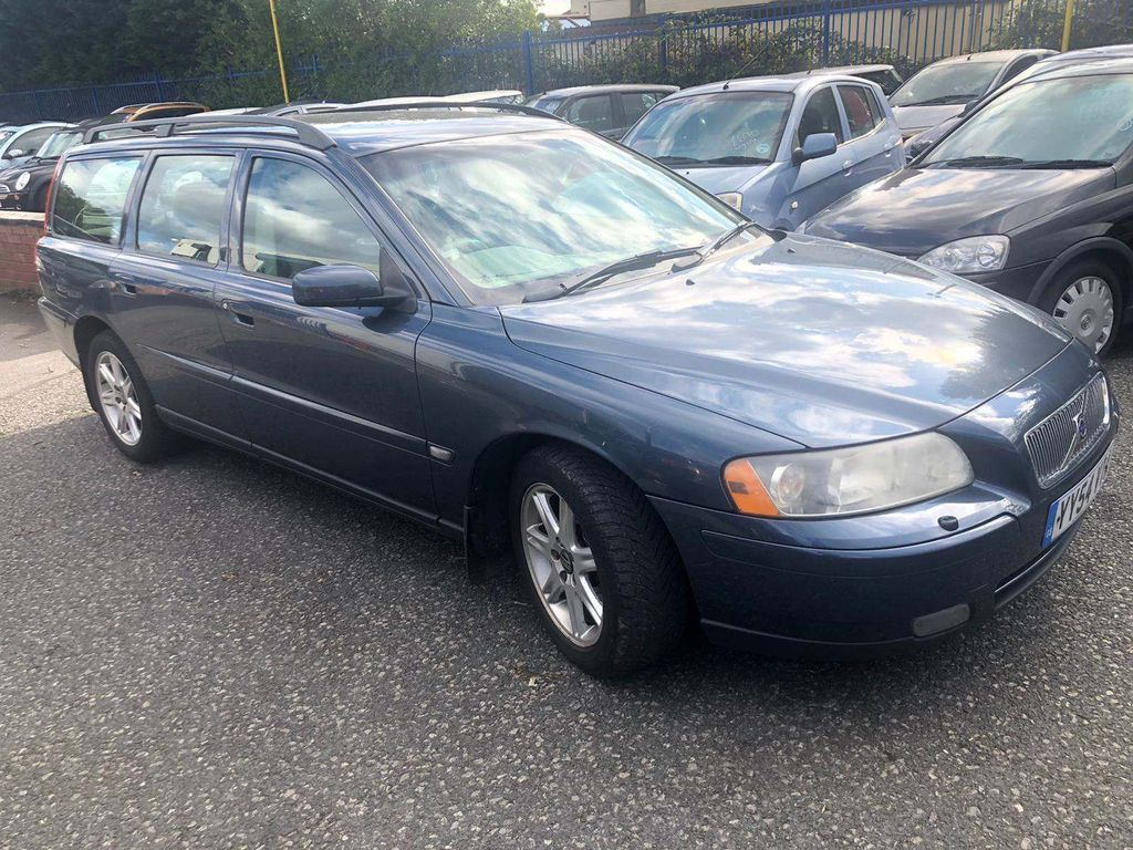 VOLVO V70 Estate 2.4 D S 5dr