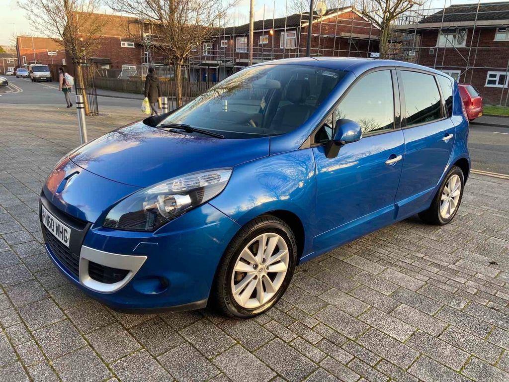 Renault Scenic MPV 2.0 dCi Privilege TomTom 5dr