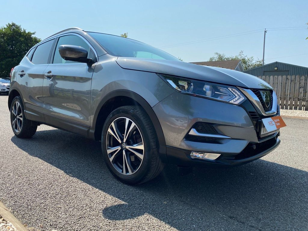Nissan Qashqai SUV 1.6 dCi N-Connecta (s/s) 5dr