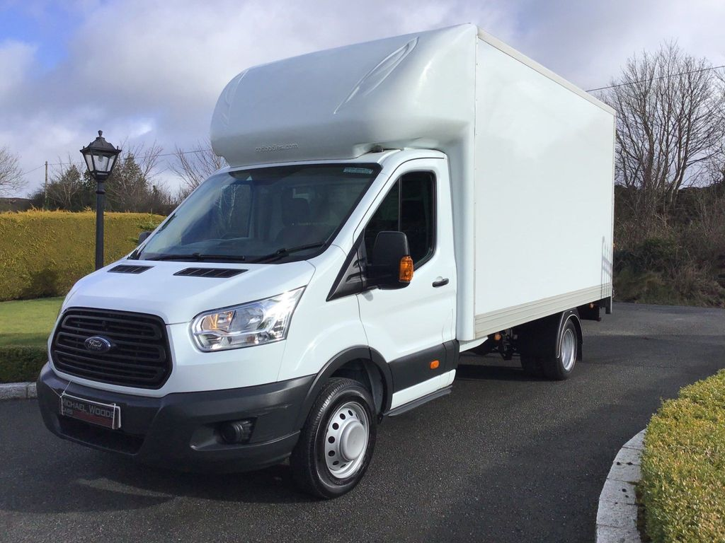 Ford Transit Luton 2.2 TDCi 350 One-Stop Luton RWD L4 EU5 (s/s) 3dr (DRW)