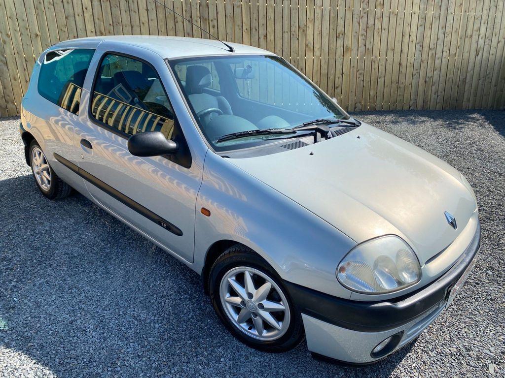 Renault Clio Hatchback 1.4 Sport 3dr