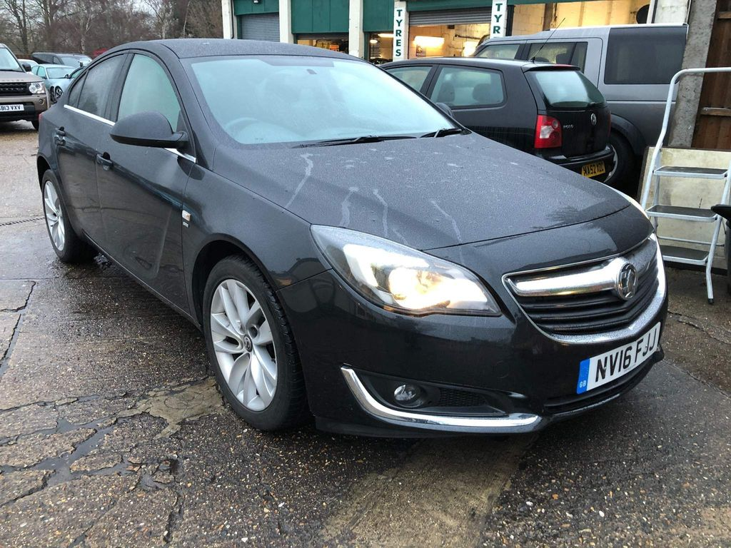 Vauxhall Insignia Hatchback 1.8 VVT SRi Nav 5dr