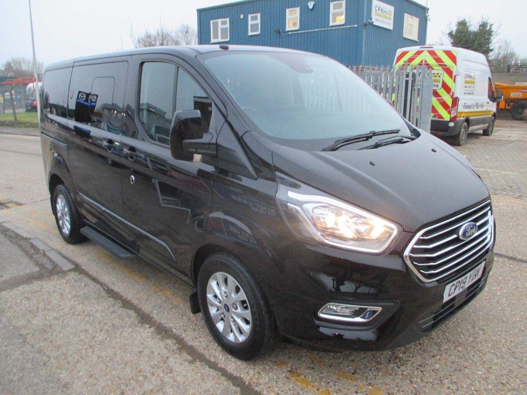 Ford Tourneo Custom Minibus 2.0 320 EcoBlue Titanium Auto L1 EU6 (s/s) 5dr (8 Seat)