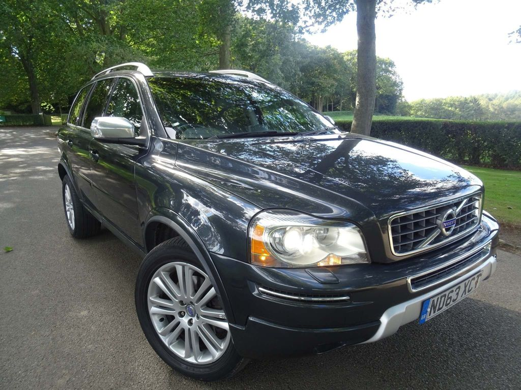 Volvo XC90 SUV 2.4 D5 Executive Geartronic AWD 5dr
