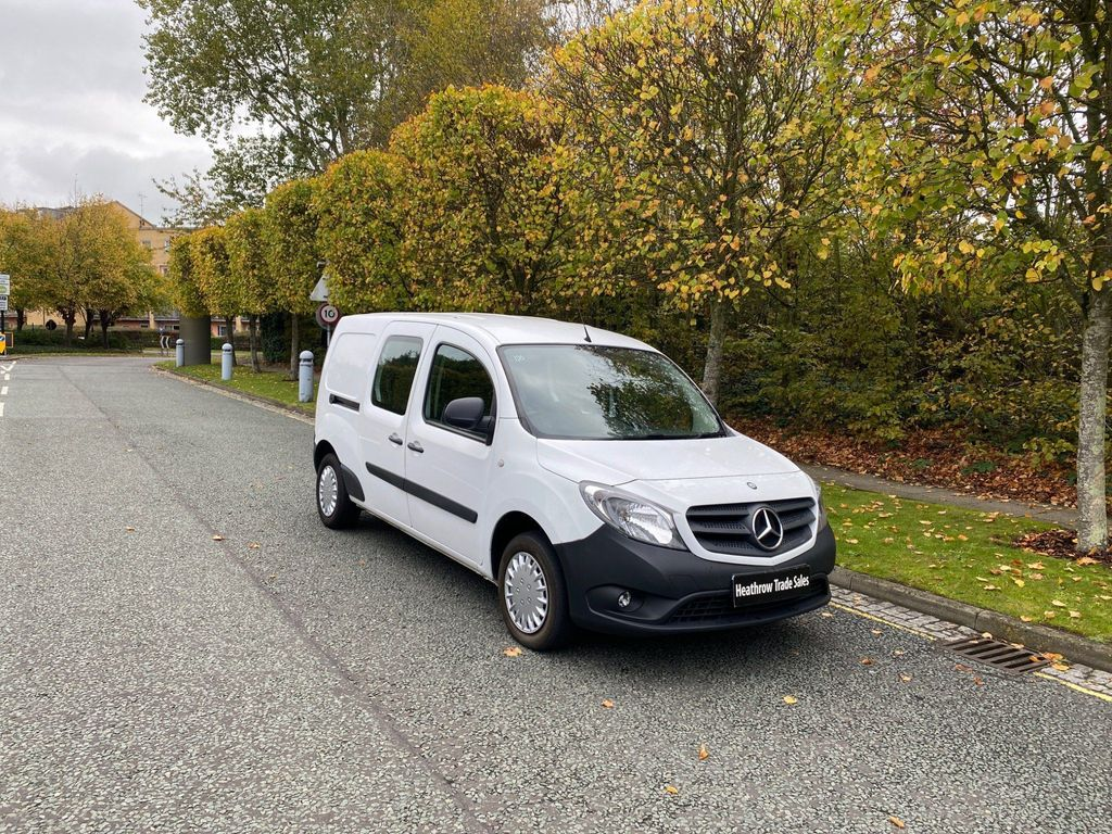Mercedes-Benz Citan Combi Van 1.5 111 CDi Dualiner L3 EU5 6dr (5 Seat)