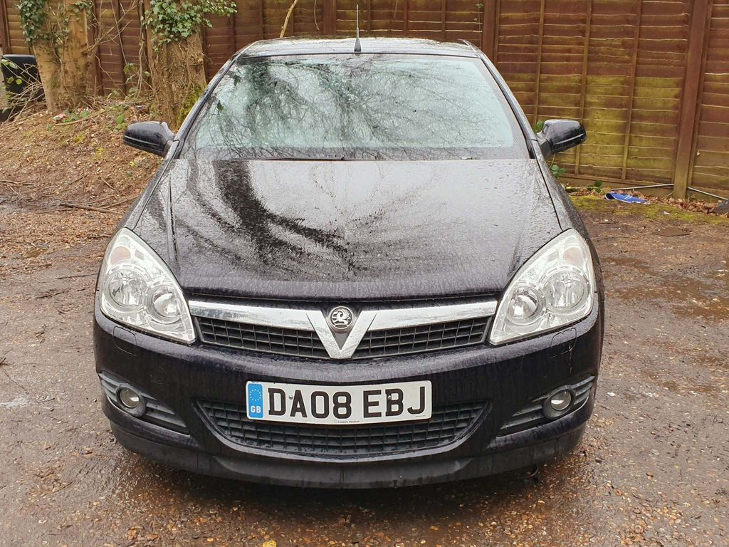 Used Vauxhall Astra Convertible 1.8 I Design Twin Top 2dr ...