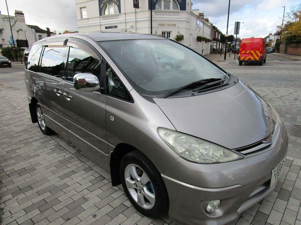 Toyota Estima SUV
