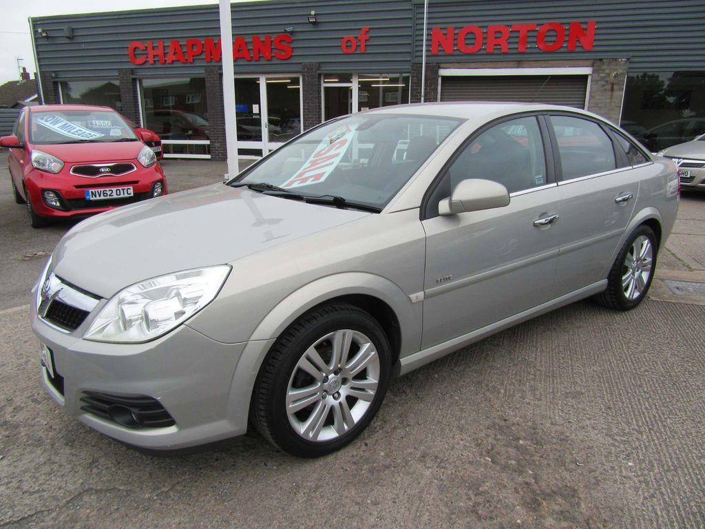 Vauxhall Vectra Hatchback 2.2 i 16v Elite 5dr