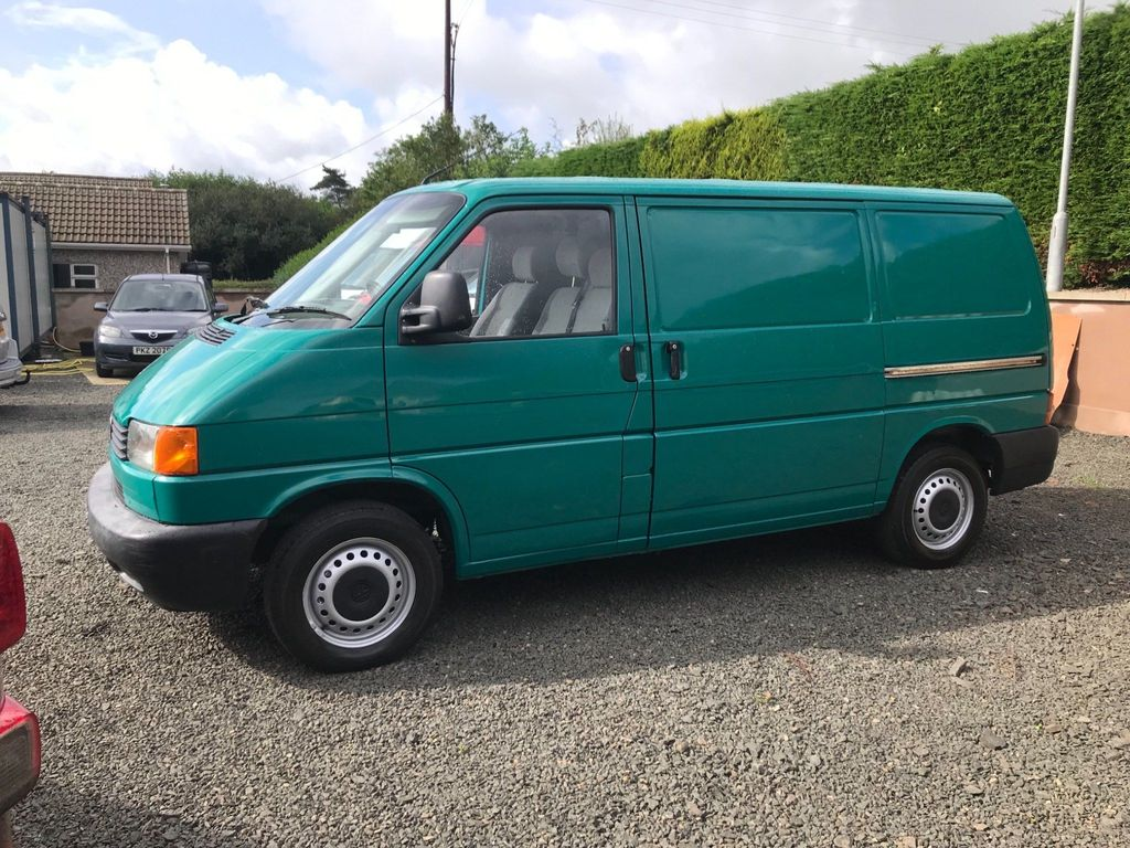 VOLKSWAGEN TRANSPORTER Panel Van 2.5 TD 1200 Panel Van 4dr