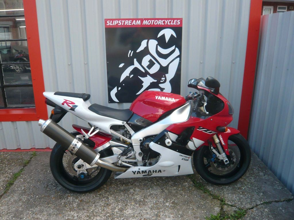 Yamaha R1 Sports Tourer 1000