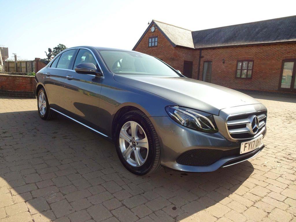 Mercedes-Benz E Class Saloon 2.0 E220d SE (Premium) G-Tronic+ 4MATIC (s/s) 4dr