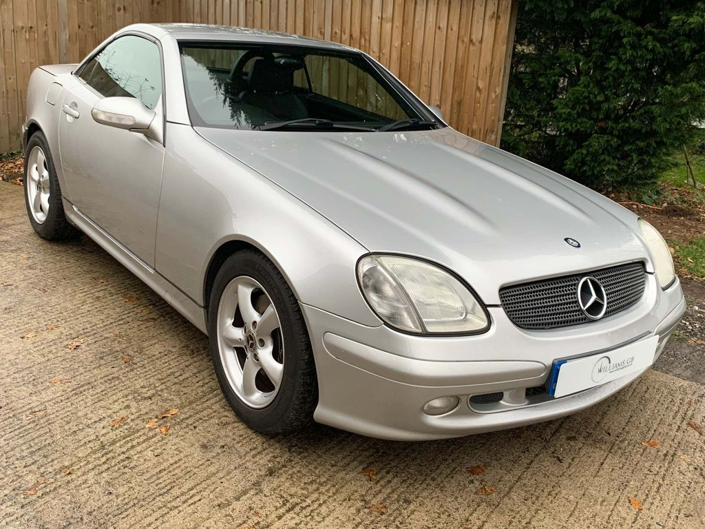 Mercedes-Benz SLK Convertible 3.2 SLK320 Convertible 2dr Petrol Automatic (254 g/km, 218 bhp)