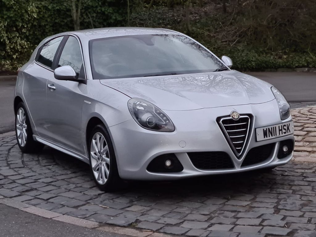 Alfa Romeo Giulietta Hatchback 1.6 JTDM-2 Veloce 5dr