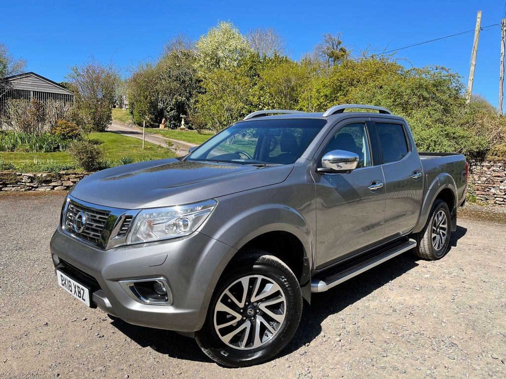 Nissan Navara Pickup 2.3 dCi Tekna Double Cab Pickup 4WD (s/s) 4dr