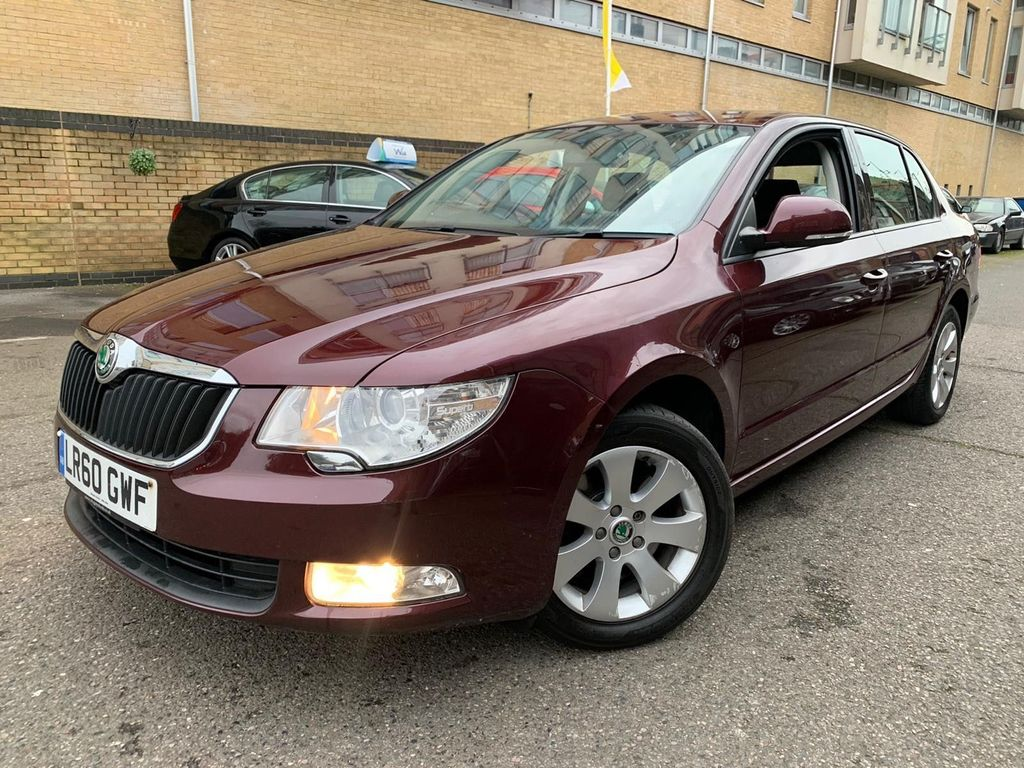 SKODA Superb Hatchback 1.8 TSI S 5dr