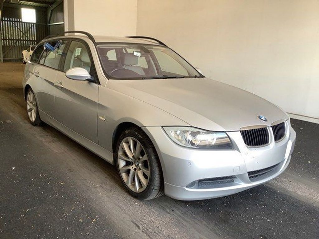 BMW 3 Series Estate 2.0 320i SE Edition Touring 5dr