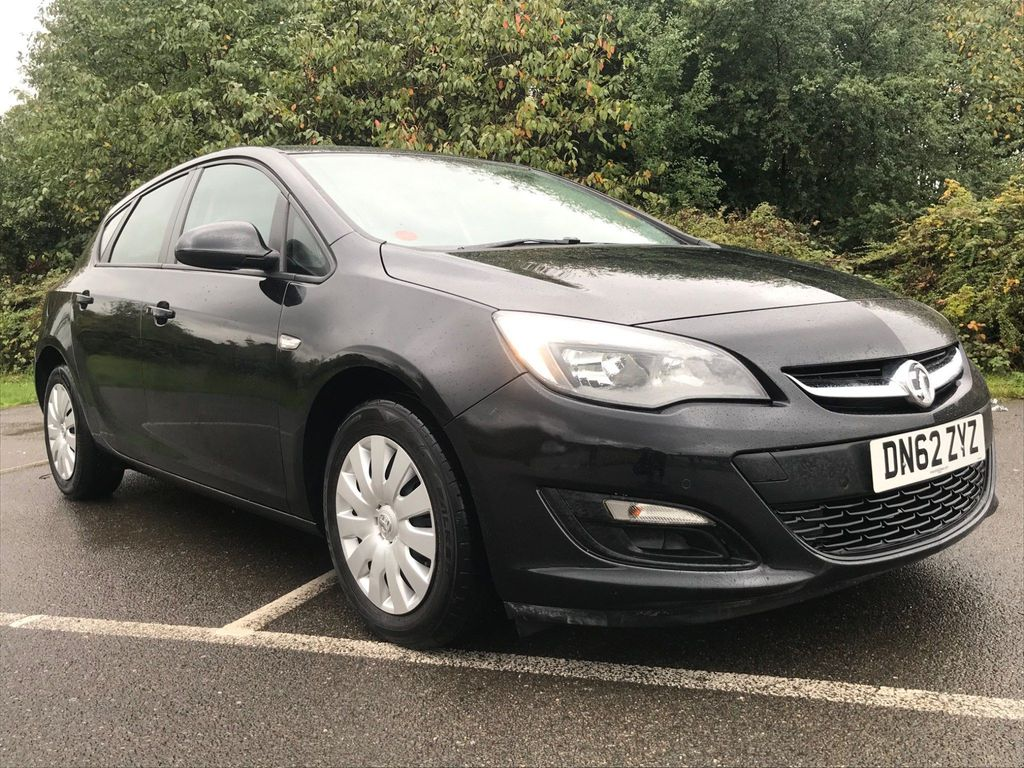 Vauxhall Astra Hatchback 1.6 16v Exclusiv Auto 5dr