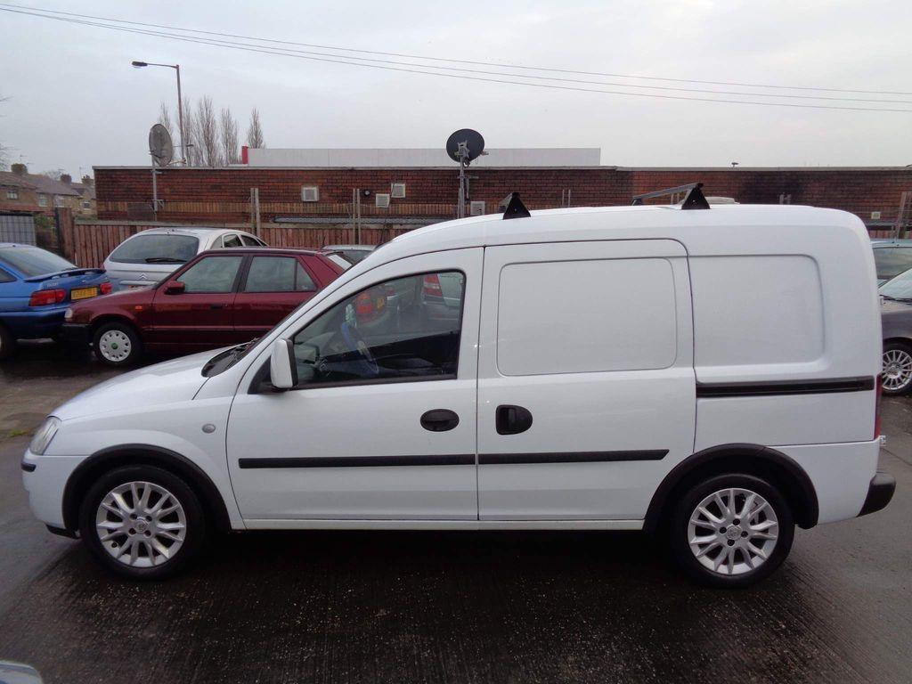 Vauxhall Combo Panel Van 1.3 CDTi 1700 16v SE Panel Van 3dr