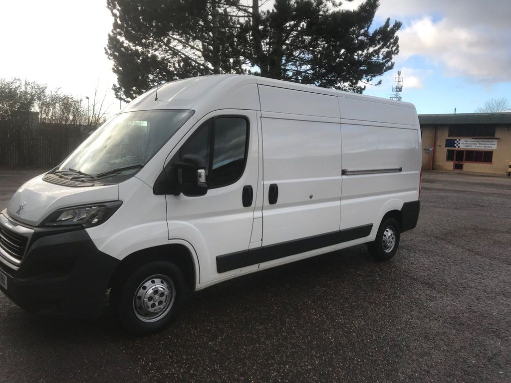 Peugeot Boxer Panel Van 2.0 BlueHDi 335 Professional L3H2 L3 High Roof EU6 5dr