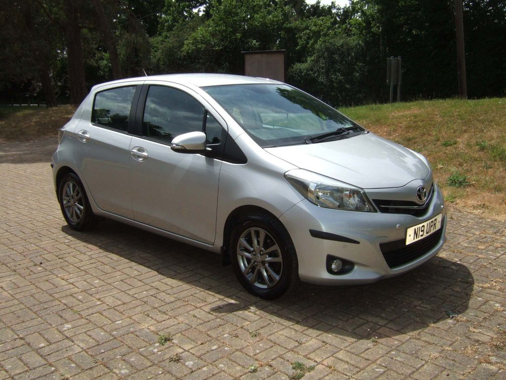 Toyota Yaris Hatchback 1.33 VVT-i Icon+ 5dr