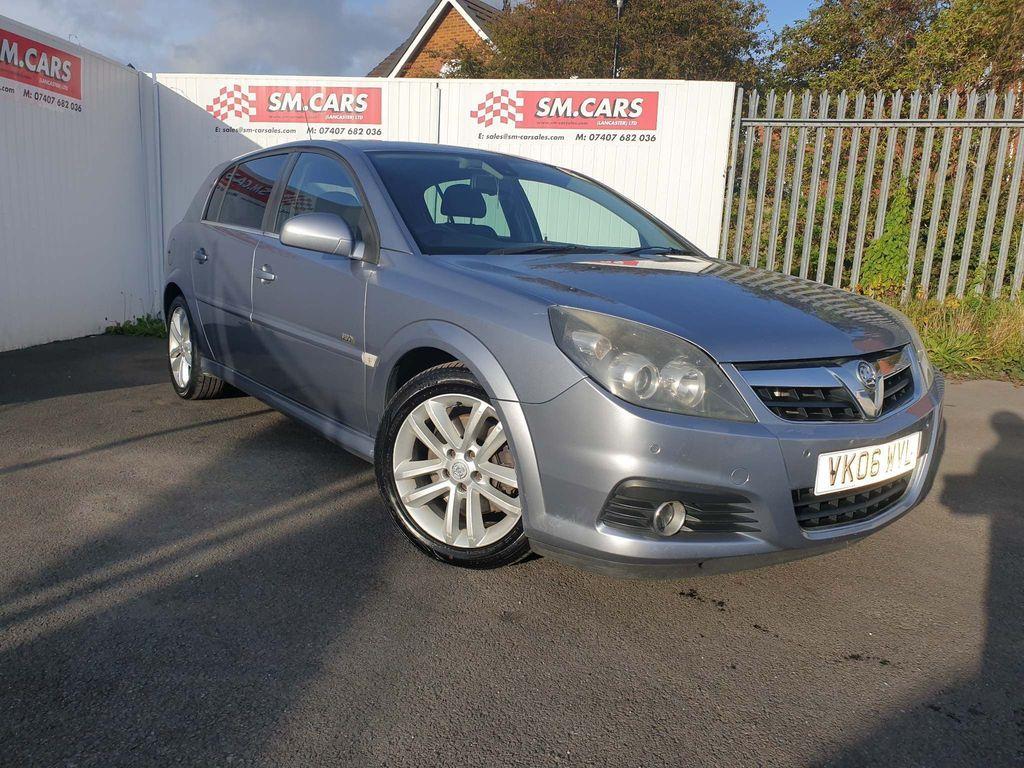 Vauxhall Signum Hatchback 3.0 CDTi V6 Design 5dr