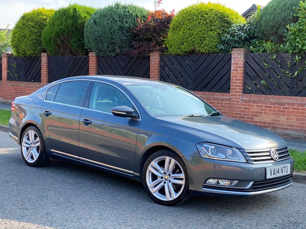 Volkswagen Passat Saloon 2.0 TDI BlueMotion Tech Executive Style DSG (s/s) 4dr