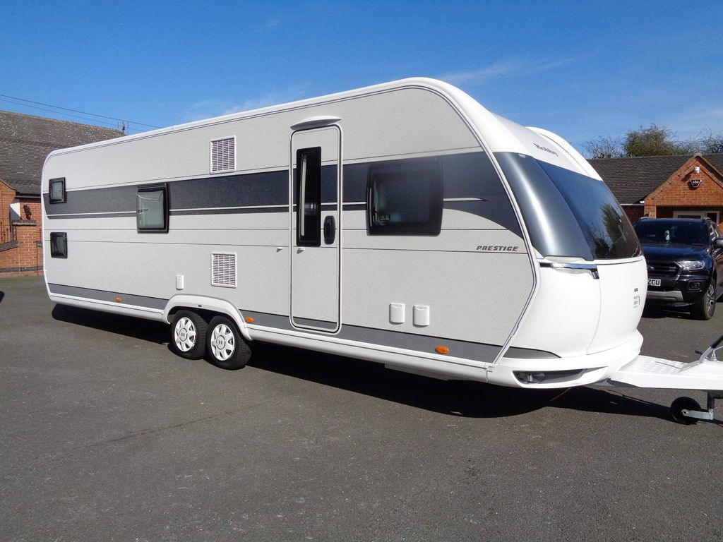Hobby Prestige Unlisted BRAND NEW 720 KWFU,FIXED BED,FIXED BUNK BEDS,LIMITED STOCK AVAILABLE.