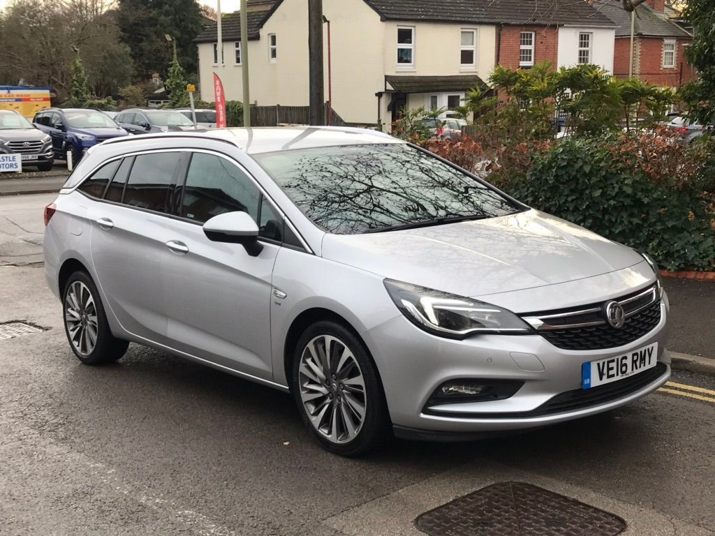 Vauxhall Astra Estate 1.6 CDTi BlueInjection SRi Nav Sports Tourer (s/s) 5dr