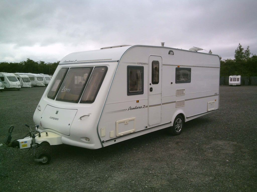 Compass Pentara Tourer 2005 FIXED BED