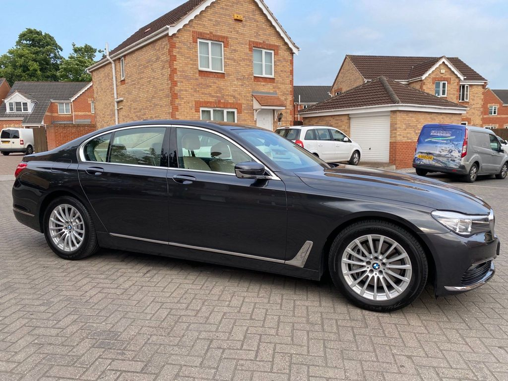 BMW 7 Series Saloon 3.0 730d Auto (s/s) 4dr
