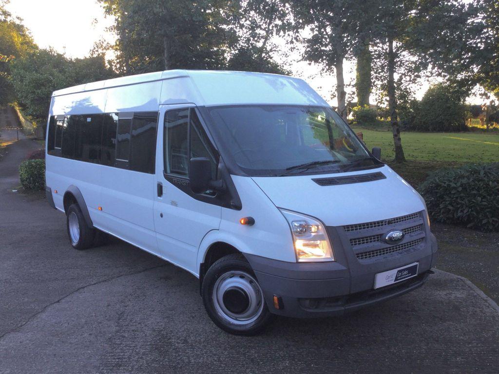 Ford Transit Minibus 2.2 TDCi 430 Medium Roof Bus RWD L 5dr (HDT, 17 Seat)
