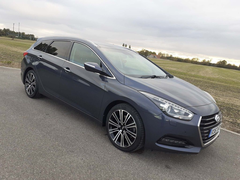 Hyundai i40 Estate 1.7 CRDi Blue Drive Premium Tourer DCT (s/s) 5dr