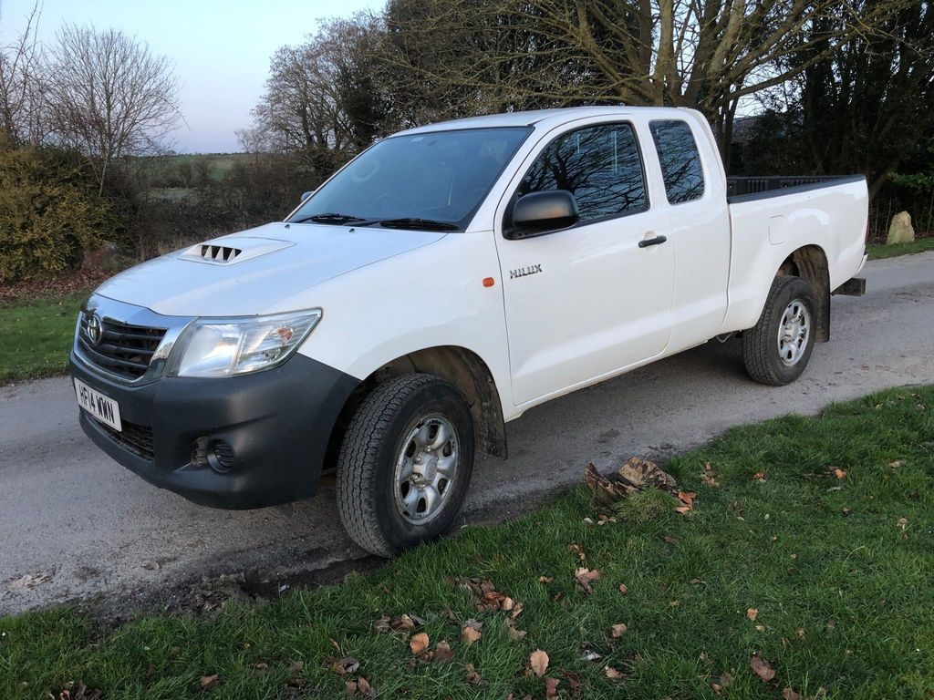 Toyota Hilux Pickup 2.5 D-4D Active Extra Pickup 4WD 2dr