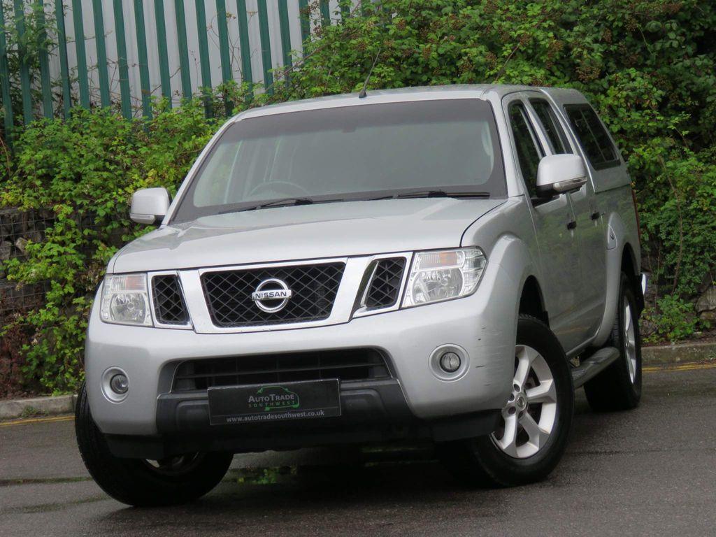 Nissan Navara Pickup 2.5 dCi Acenta Double Cab Pickup 4WD 4dr (EU5)