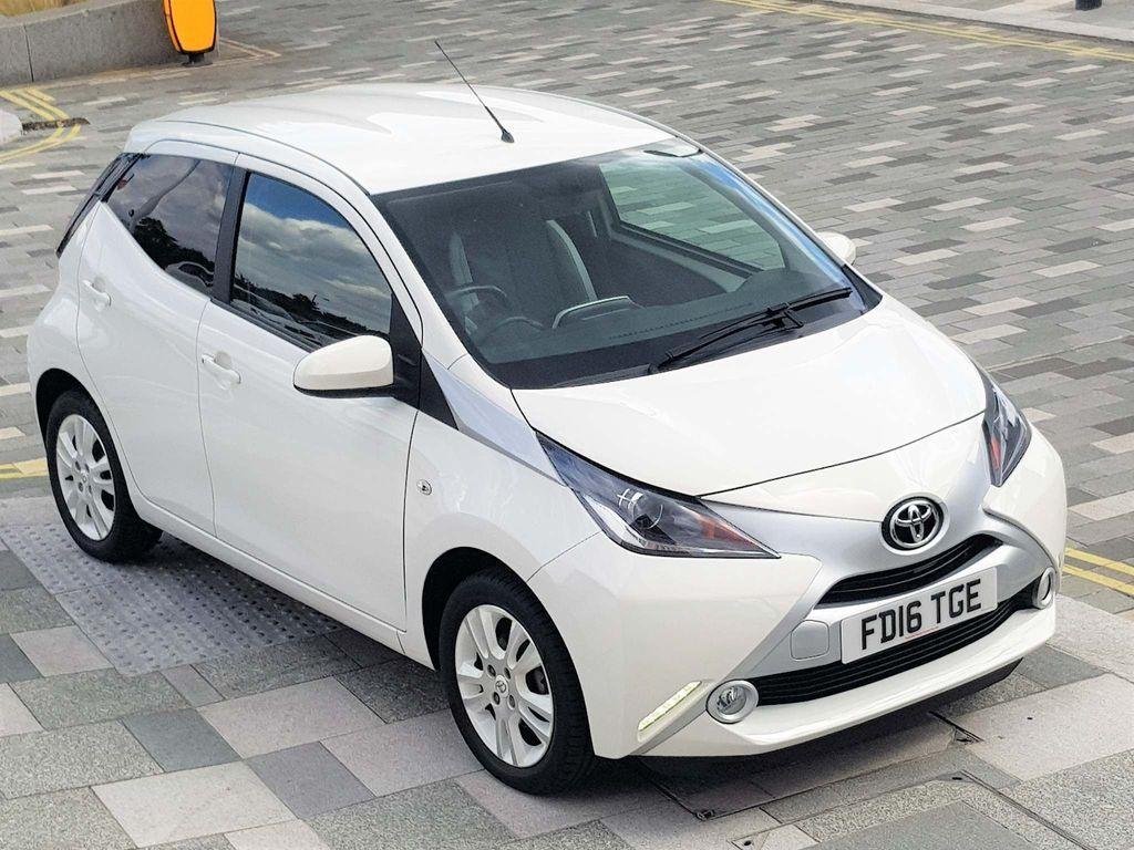 Toyota AYGO Hatchback 1.0 VVT-i x-pure x-shift 5dr