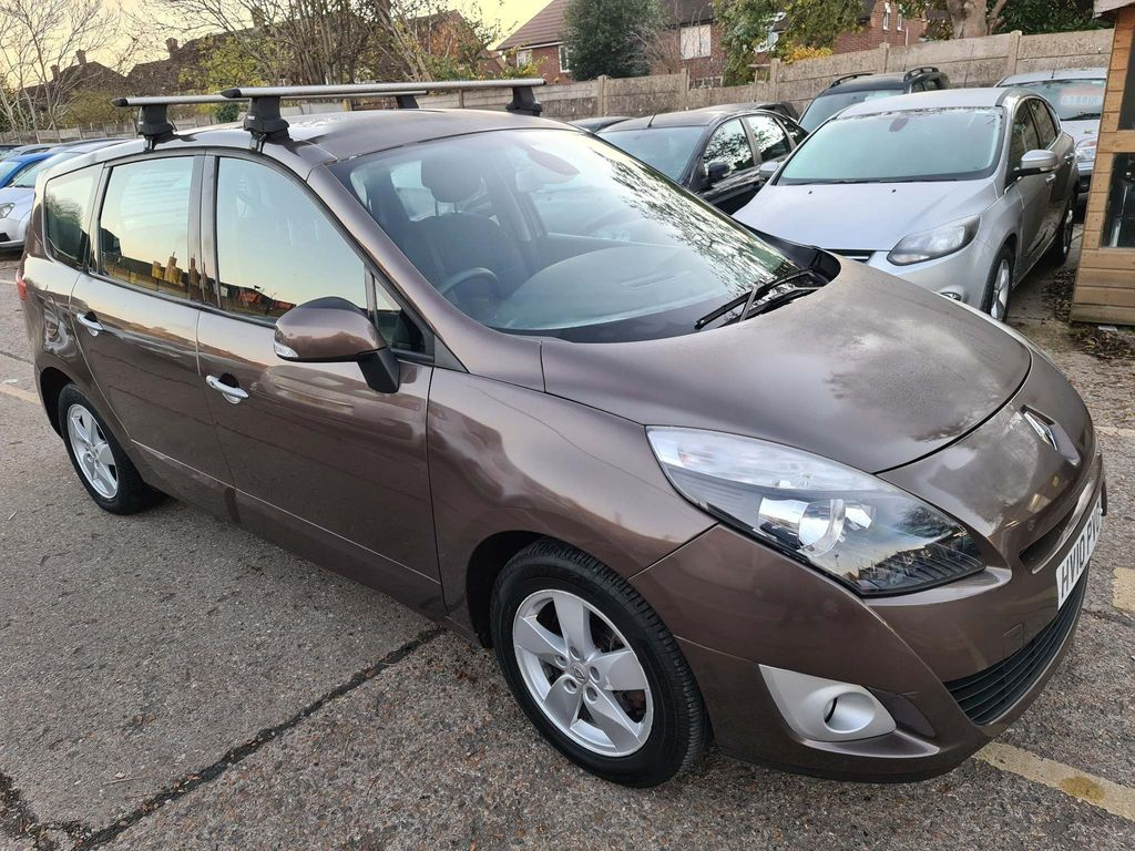 Renault Grand Scenic MPV 1.9 dCi Dynamique TomTom 5dr