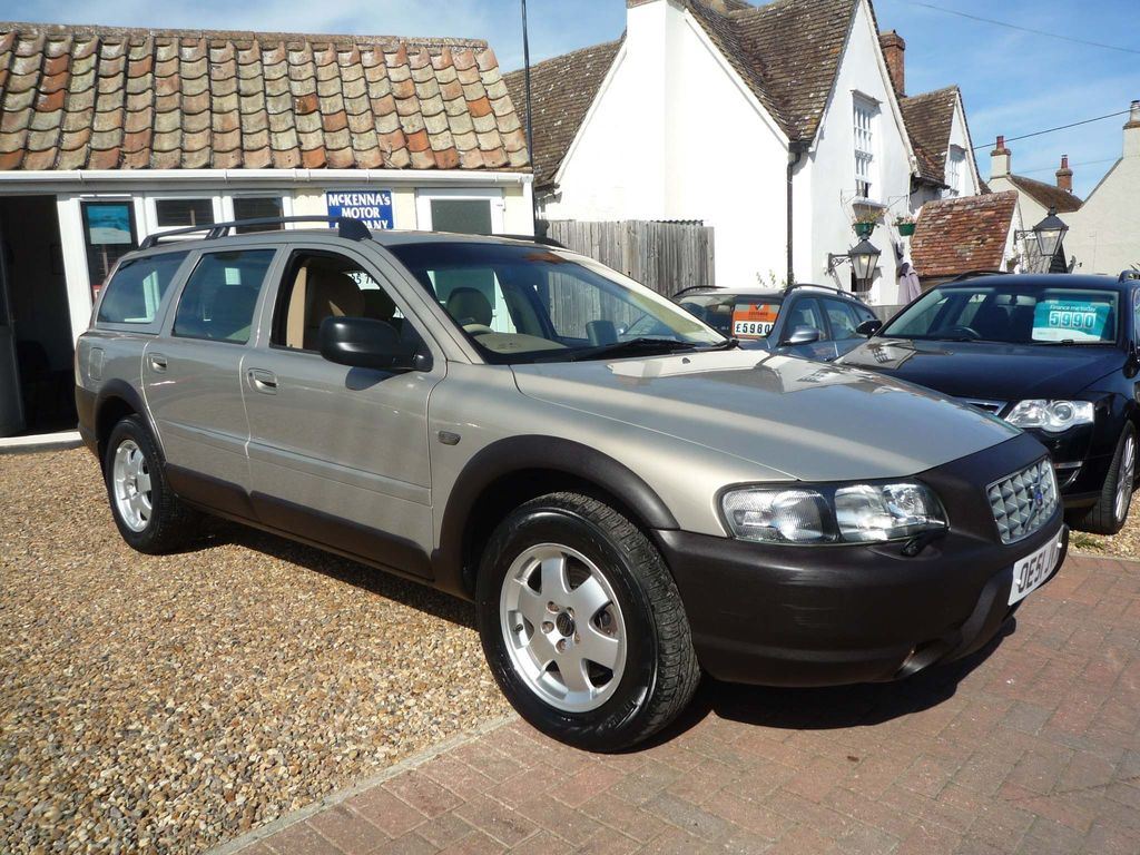 VOLVO V70 CROSS COUNTRY Estate 2.4 T SE Cross Country Geartronic 5dr