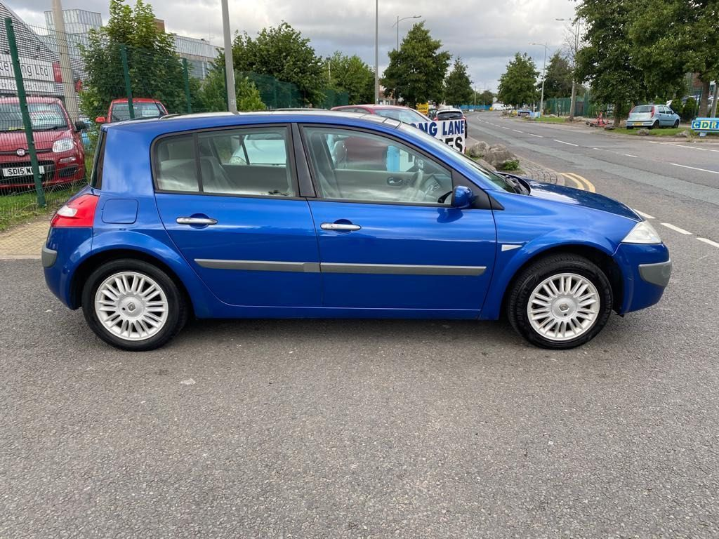 Renault Megane Hatchback 1.6 VVT Privilege 5dr
