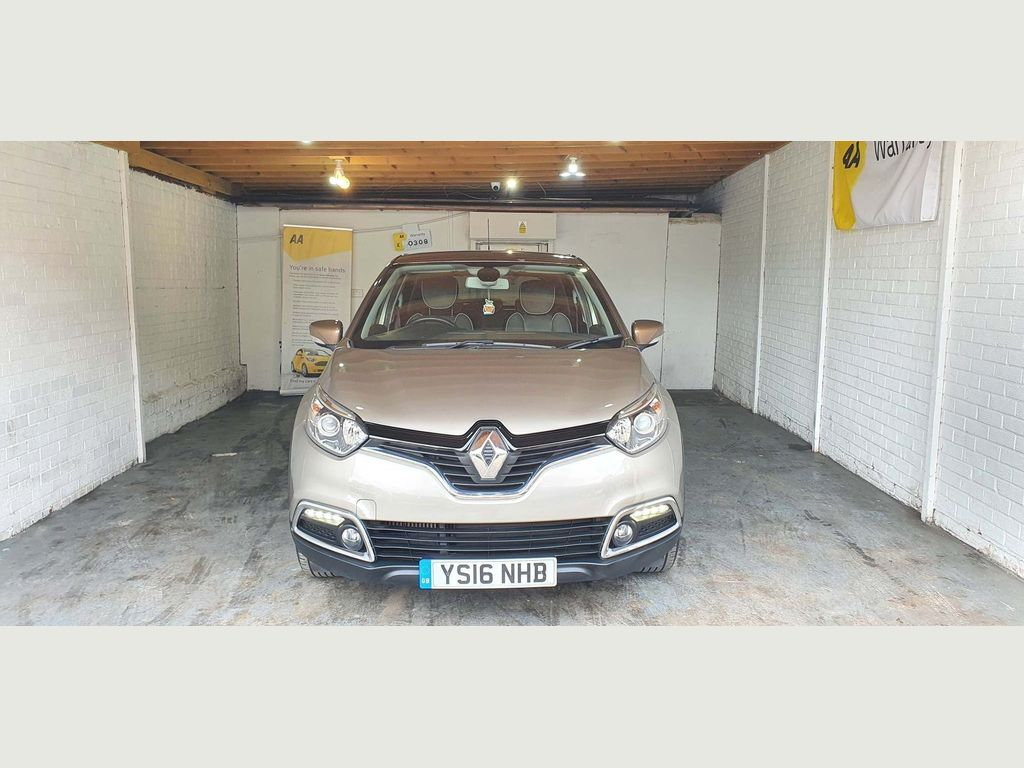 Renault Captur SUV 0.9 TCe ENERGY Iconic Nav (s/s) 5dr