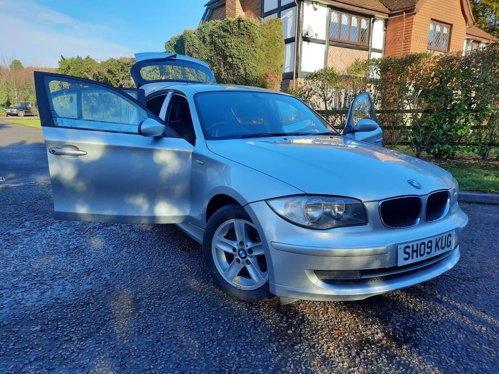 BMW 1 Series Hatchback 2.0 116i Sport 5dr