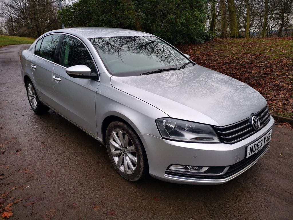 Volkswagen Passat Saloon 2.0 TDI BlueMotion Tech Highline (s/s) 4dr