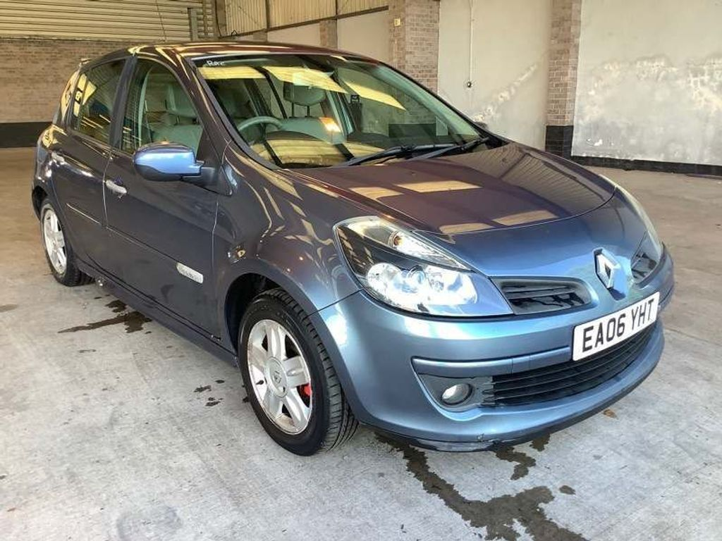 Renault Clio Hatchback 1.6 VVT Initiale 5dr
