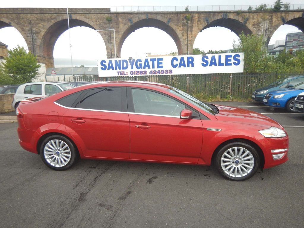 Ford Mondeo Hatchback 1.6 TDCi ECO Zetec Business (s/s) 5dr