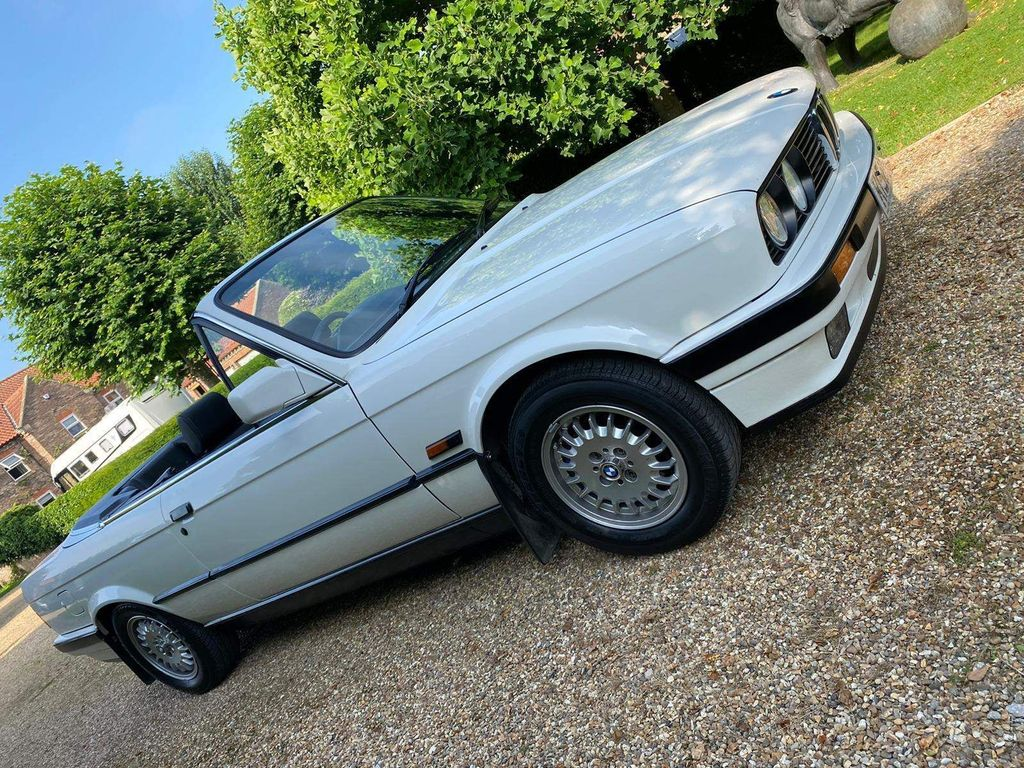 BMW 3 Series Convertible 1.8 318i 2dr